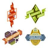 Grupo de etiquetas retros da fita do logotipo do vetor e de bandeiras futuristas do estilo Fotos de Stock