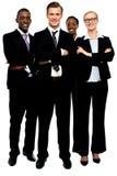 Grupo de executivos, braços cruzados foto de stock royalty free