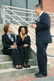 Grupo de executivos da fala da diversidade Fotos de Stock
