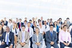 Grupo de executivos na apresentação do negócio Foto de Stock Royalty Free