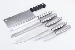 Grupo de facas isoladas no branco Foto de Stock