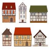 Grupo de fachadas tradicionais do casas medievais metade-suportadas sobre Imagens de Stock Royalty Free