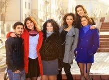 Grupo de felices estudiantes Imágenes de archivo libres de regalías