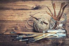 Grupo de ferramentas do artista imagens de stock