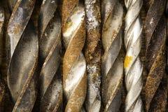 Grupo de ferramentas velhas do vintage do óxido brocas foto de stock royalty free