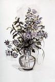 Grupo de flores em um vaso de vidro ilustração stock