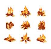 Grupo de fogueiras no fundo branco Fogueiras brilhantes no estilo dos desenhos animados Imagens de Stock