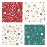 Grupo de fundos sem emenda do Natal com os flocos de neve e as estrelas tirados mão Testes padrões do feriado de inverno Foto de Stock Royalty Free