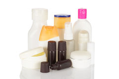 Grupo de garrafas cosméticas isoladas no fundo branco. Imagens de Stock Royalty Free