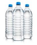 Grupo de garrafas de água plásticas da bebida ilustração do vetor