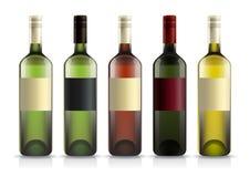 Grupo de garrafas de vinho com etiquetas Imagens de Stock