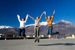 Grupo de gente de salto Imagenes de archivo