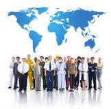 Grupo de gente del mundo en el empleo de la variedad imagenes de archivo