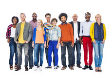 Grupo de gente diversa que se une Imagenes de archivo
