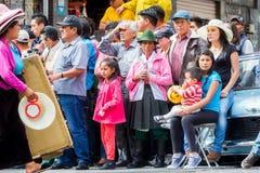 Grupo de gente latina en la calle Fotos de archivo