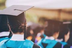 Grupo de graduados durante o come?o Educa??o do conceito fotos de stock royalty free