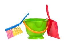 Grupo de herramientas para la limpieza (recogedor de polvo, compartimiento, cepillo) Foto de archivo libre de regalías