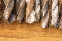 Grupo de herramientas viejas del vintage del óxido taladros Foto de archivo libre de regalías