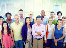 Grupo de hombres de negocios del concepto casual de la oficina Imagen de archivo libre de regalías