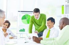 Grupo de hombres de negocios del encuentro Imagen de archivo