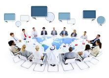 Grupo de hombres de negocios multiétnico del encuentro Imagen de archivo