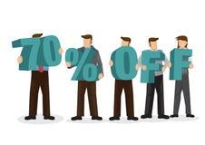 Grupo de hombres de negocios que llevan a cabo alfabeto gigante para formar el porcentaje 70 apagado Concepto de promoción, de tr stock de ilustración