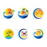 Grupo de ilustrações do curso e do turismo do verão Palmas da ilha e barco de navigação tropicais Imagens de Stock