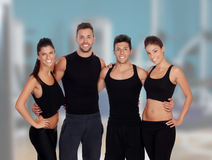 Grupo de jovens no gym Foto de Stock Royalty Free