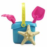 Grupo de juguetes de la playa en blanco Imagen de archivo libre de regalías