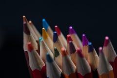 Grupo de lápis coloridos apontados, close up Fotografia de Stock Royalty Free