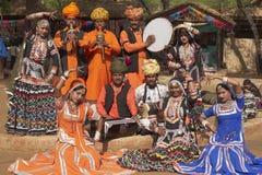 Grupo de la danza de Kalbelia Imagenes de archivo