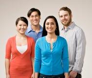 Grupo de levantamento dos amigos Fotografia de Stock Royalty Free