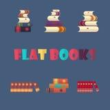 Grupo de livros empilhados no estilo liso do projeto Fotografia de Stock Royalty Free