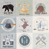 Grupo de logotipos do acampamento do vintage e da atividade exterior Imagens de Stock Royalty Free