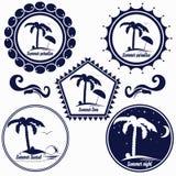 Grupo de logotipos para a praia do verão, o paraíso do verão, o lugar para o resto, o hotel, o café, etc. Foto de Stock