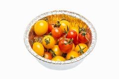 Grupo de mini tomates orgánicos bien maduros Imagen de archivo