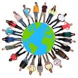 Grupo de multiculture feliz da proteção ambiental dos jovens imagens de stock royalty free