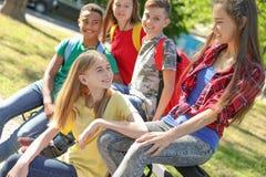 Grupo de niños al aire libre el día soleado Imágenes de archivo libres de regalías