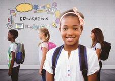 Grupo de niños con los bolsos en gráficos del sitio y de la educación ilustración del vector