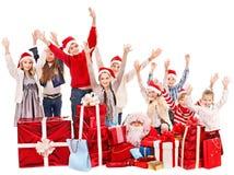 Grupo de niños con Papá Noel. Imágenes de archivo libres de regalías