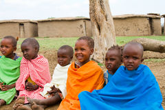 Grupo de niños encantadores del kenyan imagen de archivo libre de regalías
