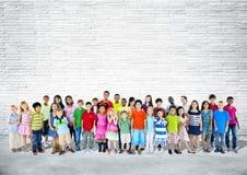 Grupo de niños felices Multi-étnicos Imagenes de archivo