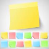Grupo de notas pegajosas adesivas isoladas Diferente ilustração do vetor