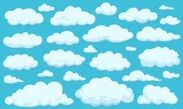 Grupo de nuvens de formas diferentes no céu para seu projeto da site, UI, app Meteorologia e atmosfera no espaço Fotografia de Stock