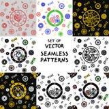 Grupo de oito testes padrões sem emenda do vetor Relógios no estilo vitoriano ilustração do vetor