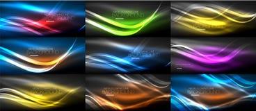 Grupo de ondas de incandescência da luz lisa de néon nos fundos escuros, abstratos ilustração stock