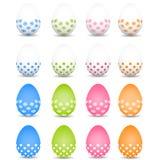 Grupo de ovos da páscoa coloridos em um fundo branco Foto de Stock Royalty Free