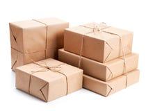 Grupo de pacote envolvido com papel de embalagem marrom Foto de Stock Royalty Free