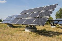 Grupo de painéis solares Fotos de Stock