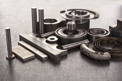 Grupo de parafusos e de componentes mecânicos imagem de stock royalty free
